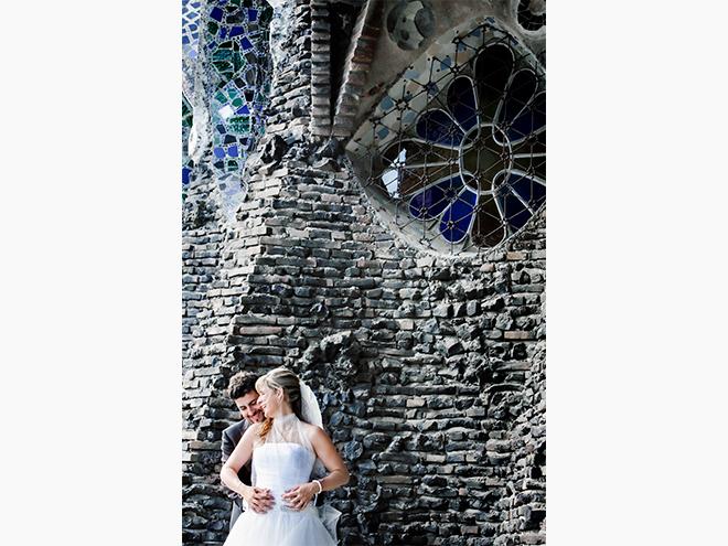 codorniu, colonia Güell , Gaudí, cavas, caves, love, sunset, Montserrat, Catalunya, boda, fotografia, Barcelona, Laura Espadalé