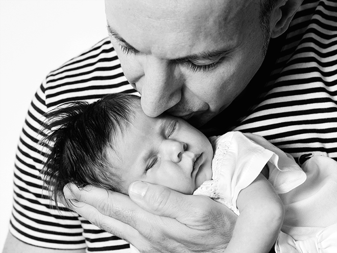 fotografía de newborn, recién nacidos, fotografía de familia, family pictures, Barcelona, Laura Espadalé, angelito, gorro bebé