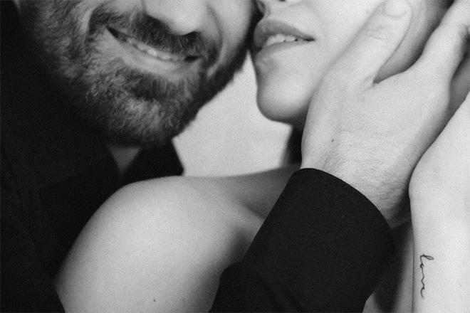 Fotografía de embarazada, Barcelona, pregnant photography, newborn, bebé, blanco y negro, dulce, sweet, love, Laura Espadalé