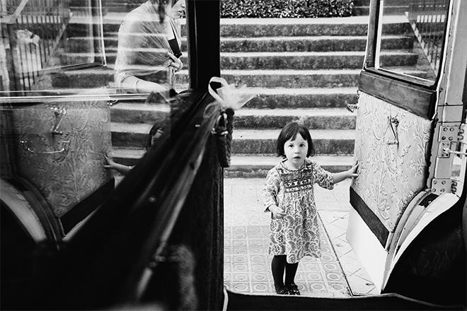 Boda en el Mas de Can Riera, fotógrafo boda Barcelona, Rosa Clará, blanco y negro boda, wedding