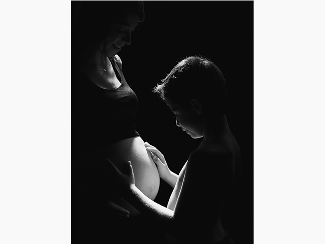 pregnancy photography, studio, photo session, black and white, kids photography, barcelona, laura espadalé