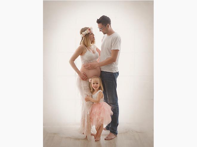 fotografía niños barcelona, fotografía de embarazada estudio barcelona, fotografía newborn en casa