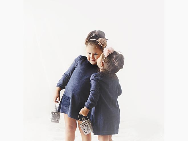 Fotografia de germans, Barcelona, sisters, hermanas, invierno, estudio, clothes, Laura Espadalé