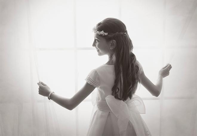 reportaje de primera comunión niño, niña, vestido de primera comunión, traje de primera comunión, fotografía barcelona, Laura Espadalé, un día especial, fotografía natural, fotografía romántica