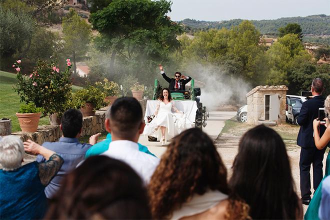 fotografia de boda barcelona, masia capçades, boda rural, boda en el campo, carpa boda, fotografia sant andreu, laura espadale, boda horta de sant joan